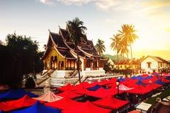 laos luang prabang Sławny noc rynek Zdjęcia Royalty Free