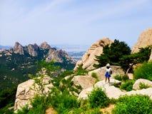 Laoshan-Bergblick in Qingdao Lizenzfreie Stockbilder