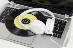 lap-top ακουστικών Στοκ Εικόνα