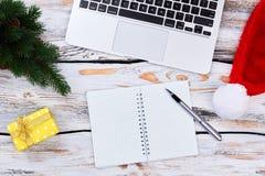 lap-top διακοσμήσεων υπολογιστών Χριστουγέννων Στοκ Εικόνα