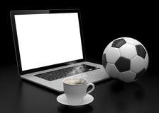 Lap-top και σφαίρα ποδοσφαίρου ποδοσφαίρου σε απευθείας σύνδεση ποδόσφαιρο Στοκ φωτογραφία με δικαίωμα ελεύθερης χρήσης