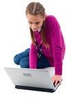 lap-top κοριτσιών σύγχρονο Στοκ φωτογραφίες με δικαίωμα ελεύθερης χρήσης