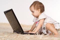 lap-top μωρών Στοκ εικόνες με δικαίωμα ελεύθερης χρήσης