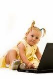 lap-top μωρών στοκ φωτογραφία με δικαίωμα ελεύθερης χρήσης