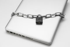 lap-top που κλειδώνεται Στοκ εικόνες με δικαίωμα ελεύθερης χρήσης