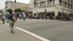 LAPD Officers сдерживание толпы акции видеоматериалы