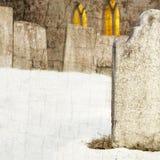 Lapide nel cimitero della chiesa alla notte Immagini Stock Libere da Diritti
