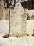 Lapide spettrale di Grunge in cimitero Fotografia Stock Libera da Diritti