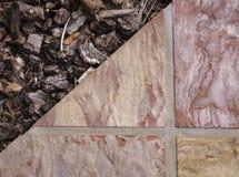 Lapidi e scortecci il fondo strutturato con i toni polverosi di rosa, di taupe e di seppia Immagine Stock Libera da Diritti