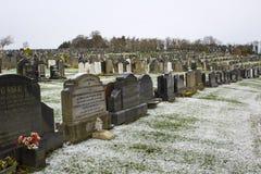 Lapidi nel cimitero locale nella contea giù Irlanda del Nord di Bangor un giorno di inverno gelido freddo Immagini Stock Libere da Diritti