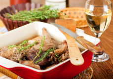 Lapin cuit avec du vin blanc Image stock