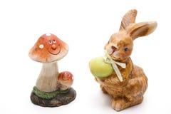Lapin de Pâques avec le champignon de couche Photo libre de droits