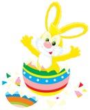 Lapin de Pâques et oeuf peint Photographie stock libre de droits