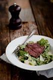 Lapje vlees Caesar Salad Royalty-vrije Stock Afbeeldingen