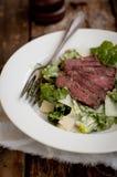 Lapje vlees Caesar Salad royalty-vrije stock afbeelding