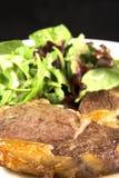 Lapje vlees en salade Royalty-vrije Stock Afbeelding