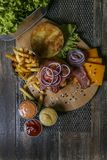 Lapje vlees met Bulgaarse kaas Stock Afbeelding