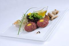 Lapje vlees tatare van rundvleesfilet royalty-vrije stock fotografie