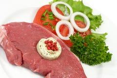 Lapje vlees van het achterdeel met herbed boter Stock Afbeeldingen