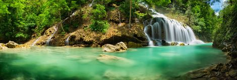Lapopu vattenfall, Sumba ö, Indonesien Arkivfoton