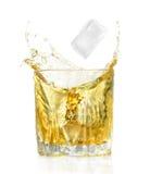 Lappa av is- och alkoholcoctail Royaltyfri Foto