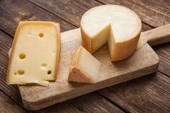 Lappa av ost royaltyfria foton