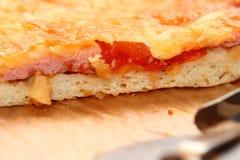 Lappa av Pizza Fotografering för Bildbyråer