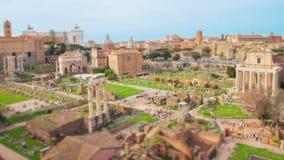 Laps de temps avec le bourdonnement au-dessus des ruines, Roman Forum, Italie clips vidéos