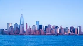 Laps de temps de coucher du soleil sur l'île de Manhattan banque de vidéos