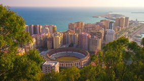 Laps de temps de haut du panorama 4k de mer d'arène de vue de jour ensoleillé de l'Espagne Malaga banque de vidéos