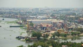 Laps de temps de port occupé de récipient d'expédition au Vietnam du sud banque de vidéos