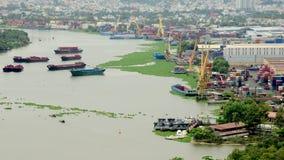 Laps de temps de port occupé de récipient d'expédition en Ho Chi Minh City (Saigon) banque de vidéos