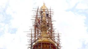 Laps de temps de temple en construction, Thaïlande banque de vidéos