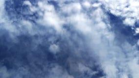 Laps de temps des nuages dans le ciel clips vidéos