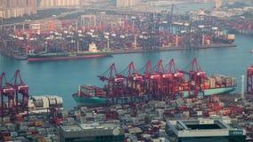 Laps de temps du chargement terminal de Hong Kong Kwai Tsing Container déchargeant le navire banque de vidéos