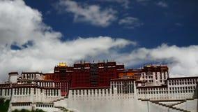 Laps de temps du Palais du Potala Place de Dalaï lama Lhasa, Thibet banque de vidéos