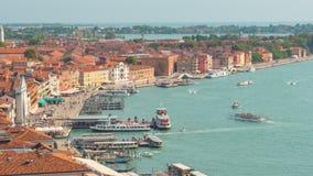 Laps de temps du panorama 4k de baie de Venise de point de vue de campanile de marco de San de jour Italie banque de vidéos
