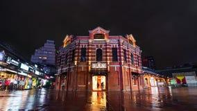 """Laps de temps du théâtre rouge de chambre ou """"de la Chambre rouge Ximen """"avec la pluie de chute dans le secteur de Ximending la n clips vidéos"""