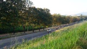 Laps de temps du trafic à la pente de route, Sriracha, Chonburi, Thaïlande clips vidéos