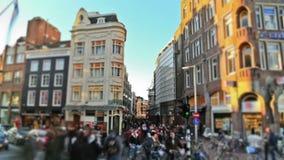 Laps de temps du trafic piétonnier de ville Amsterdam banque de vidéos