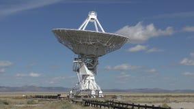 Laps de temps géant de radiotélescope banque de vidéos