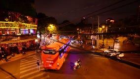 Laps de temps - Pham Ngu Lao la nuit - Ho Chi Minh City Vietnam banque de vidéos