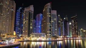 Lapso da noite do porto de Dubai, Emiratos Árabes Unidos filme