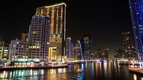 Lapso da noite do porto de Dubai, Emiratos Árabes Unidos video estoque