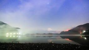 Lapso de la noche de Fuji en el shojiko almacen de video
