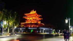 Lapso de la noche del centro de la ciudad de Guilin en la provincia China de Guangxi metrajes