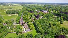 Lapso de tempo aéreo do castelo medieval De Haar em Países Baixos vídeos de arquivo