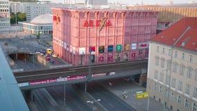 Lapso de tempo de Alexa Mall dentro e de arredores no verão video estoque