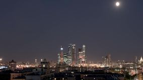 Lapso de tempo Centro de negócios em Moscou, arranha-céus assim chamados da Moscou-cidade Conjunto do negócio, o residencial e do vídeos de arquivo