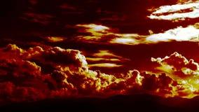 Lapso de tempo cinemático épico de sopro de queimadura das nuvens filme